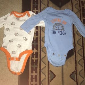 "Living on the ""hedge"" onesie set size 0-3"